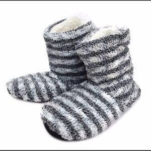 Shoes - Striped Slippers Black White Fit S/M NEW